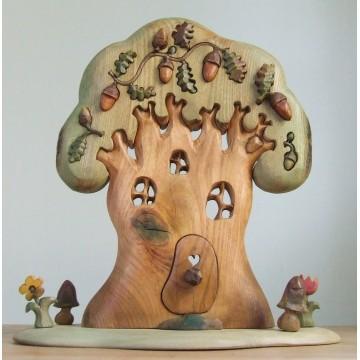 """Maison """"arbre géant"""" et ses hérissons"""