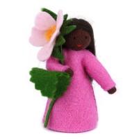 Eglantine, fleur à la main - peau noire