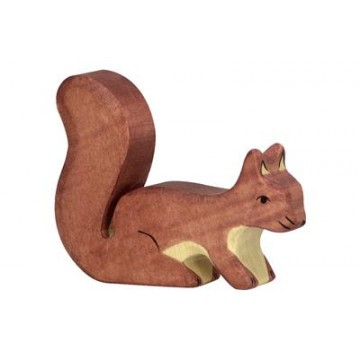 Ecureuil debout