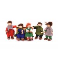 """""""Les hobbits"""" : poupées en feutrine"""