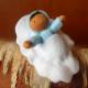 Bébé bleu dans une noix