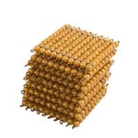 9 carrés de 100 perles dorées